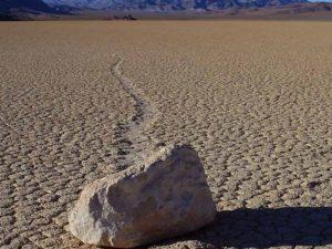Vandrande sten Death Valley