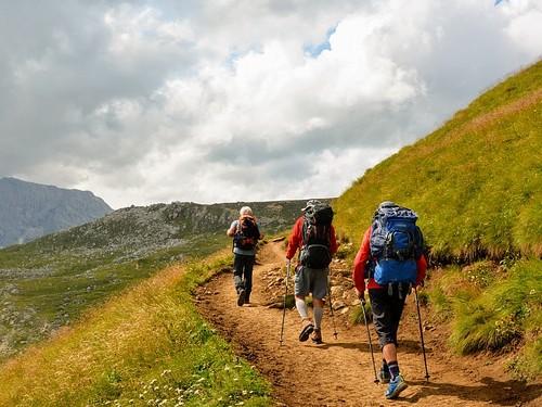 Trekking äventyr natur turister berg